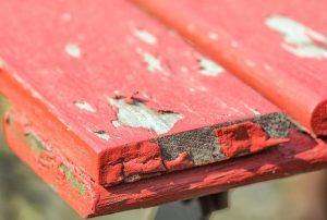 Za obnovo dotrajanega lesa bomo gotovo potrebovali tudi brusilnik